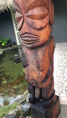 Aitutaki statue