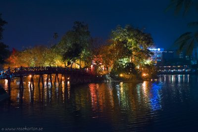 Ngoc Son Temple bridge at night, Hanoi